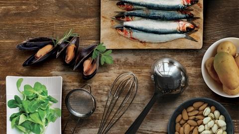 Toma medidas para evitar que las sustancias tóxicas de algunos alimentos te hagan daño.