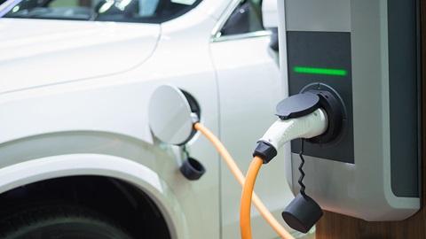 Crece la venta de coches ecológicos en UE