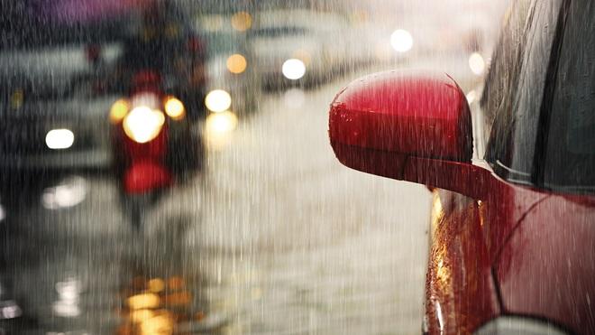 lluvia en el coche