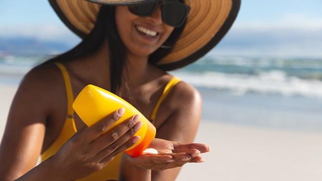 Sol, playa y crema solar