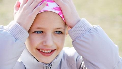 niña con leucemia esperando trasplante de médula