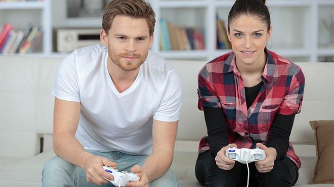 playstation-now-pareja-jugando
