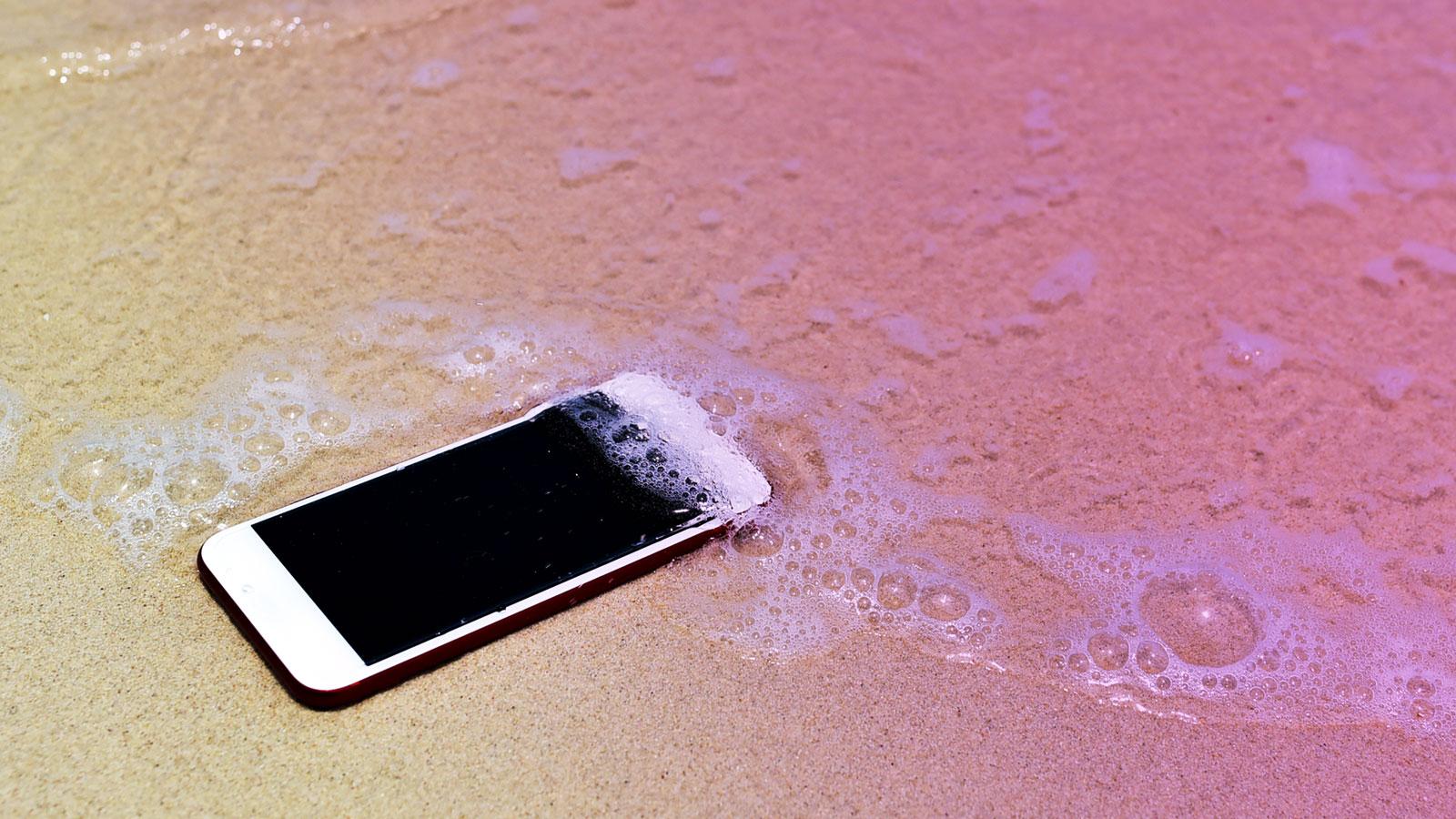 314be2b9aca Qué hacer si se moja el móvil   OCU