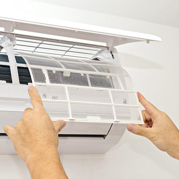mantenimiento-aire-acondicionado-limpieza-filtros