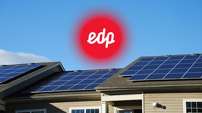 placas fotovoltaicas con logo edp