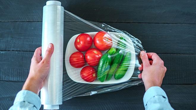 plástico para conservar alimentos