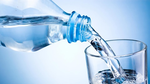 agua embotellada no garantías