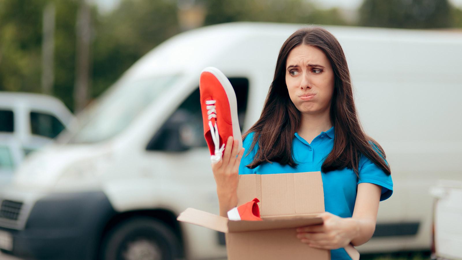 Puedes devolver un producto si la tienda admite devoluciones en su política comercial